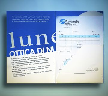 Personalised document folders for opticians